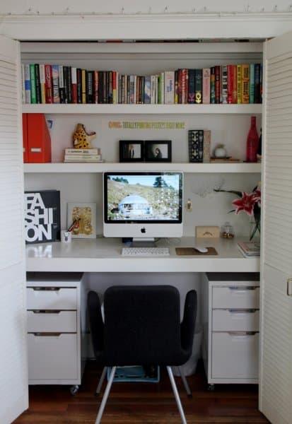 symmetrical_white_office