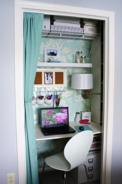 turquoise_and_white_office
