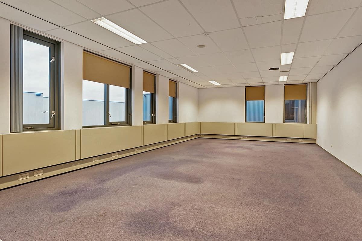 gerenoveerd kantoorpand te huur bedrijventerrein breda