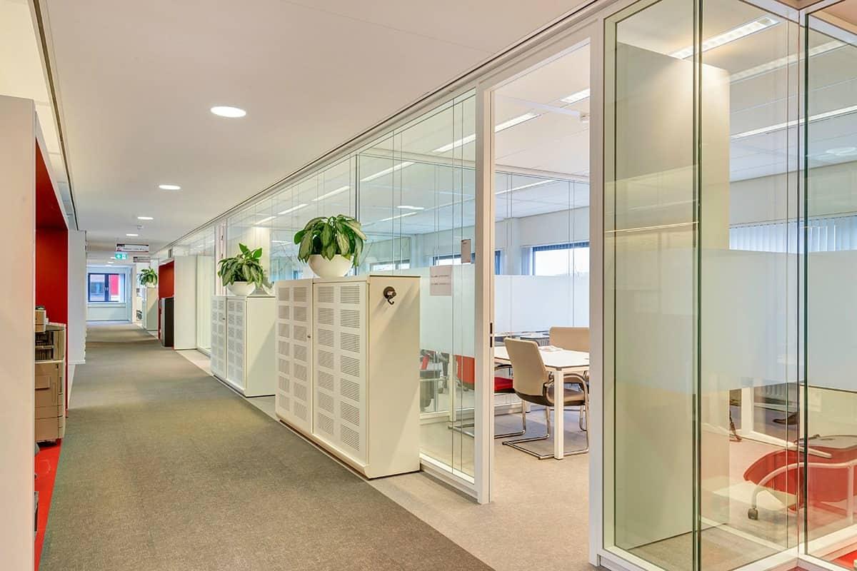 Kantoorunit met modern interieur huren in breda for Interieur modern