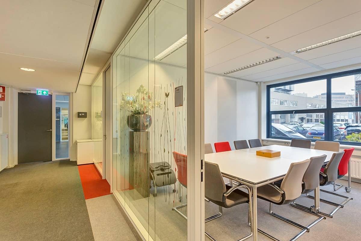 kantoorunit modern interieur huren breda