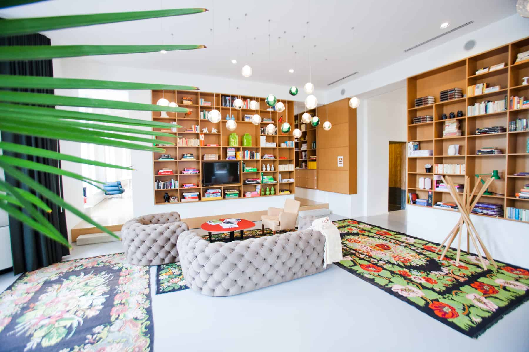 Clubroom bookcases Spaces Rode Olifant Den Haag