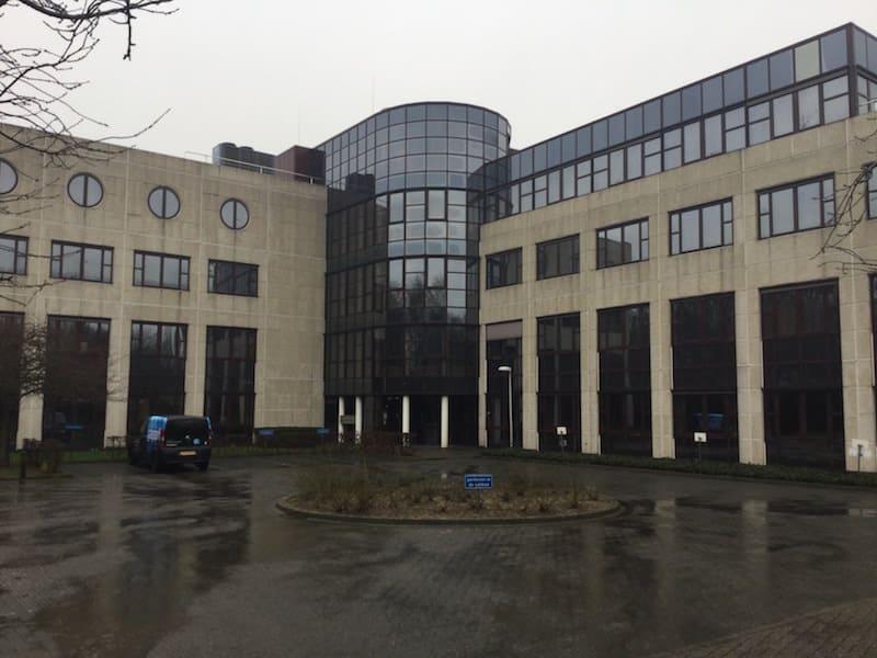 modern kantoorpand bedrijventerrein mauritspark geleen
