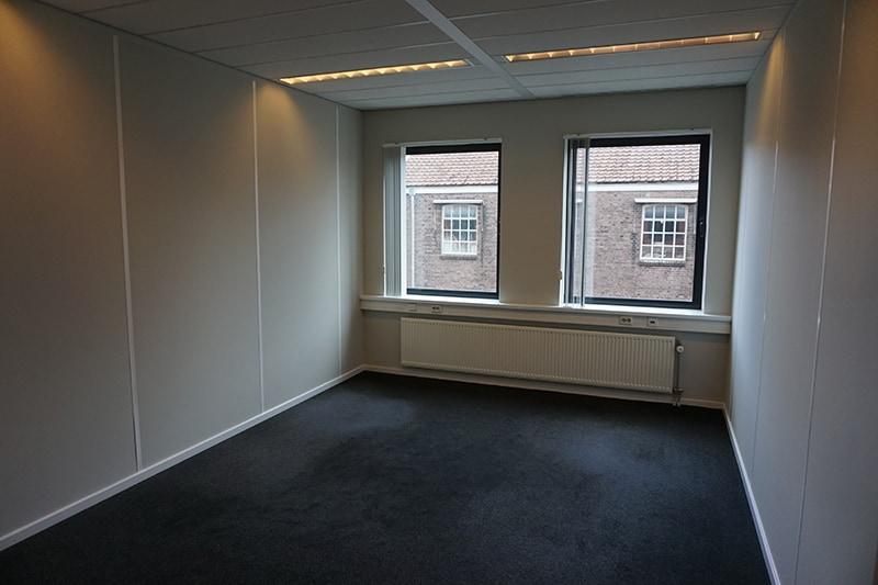 Kamer 113 Bedrijfsverzamelgebouw Kanaalweg 22 schuin