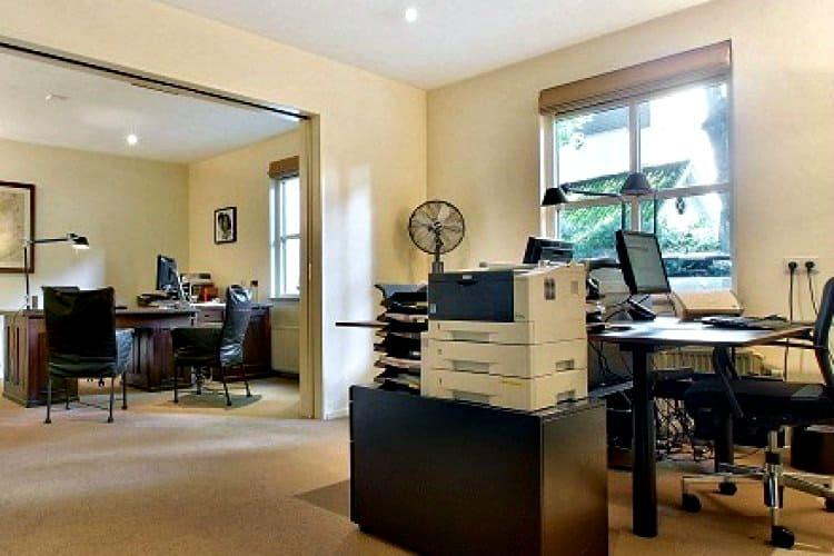 geheel gerenoveerde kantoorvilla te huur ede
