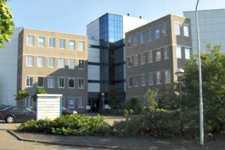 kantoorgebouw gelegen bedrijventerrein breeven best