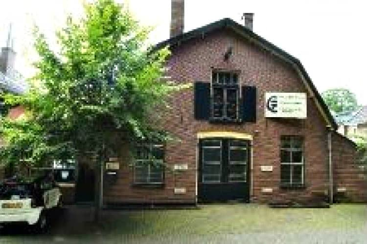 kantoorruimte gevestigd oud industrieel fabrieksgebouw hilversum