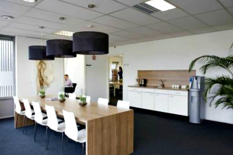 kleinschalige kantoorunits huur in bedrijvencentrum te dordrecht