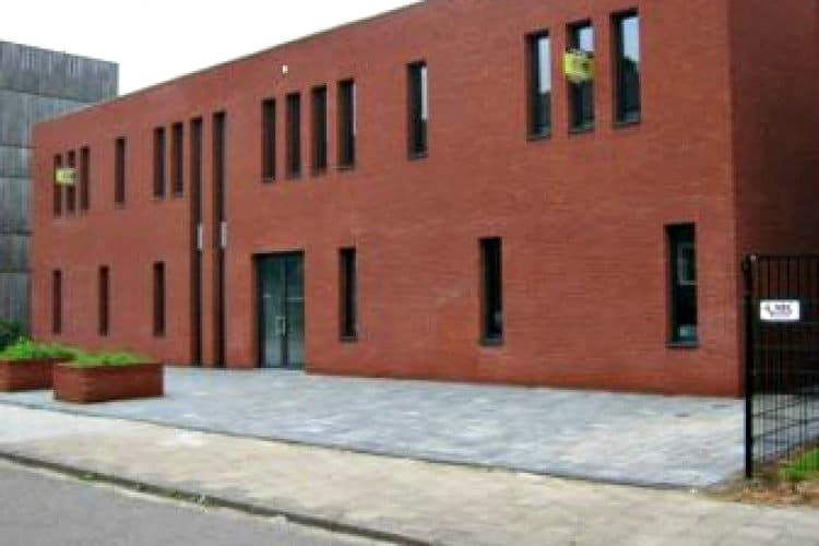 modern kantoorgebouw gelegen maastricht west