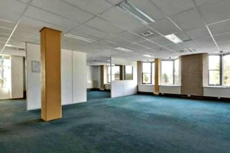 vrijstaand kantoorgebouw opvallende locatie nieuwendijk geldrop