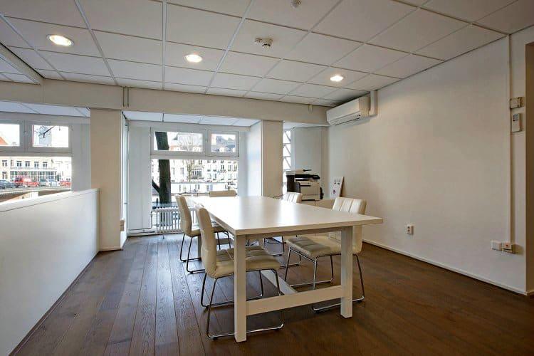 fraai gelegen kantoor aan de amstel in de buurt van het muntplein te amsterdam