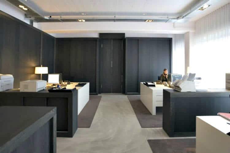 huren in het fashion house tegenover het world fashion centre te amsterdam