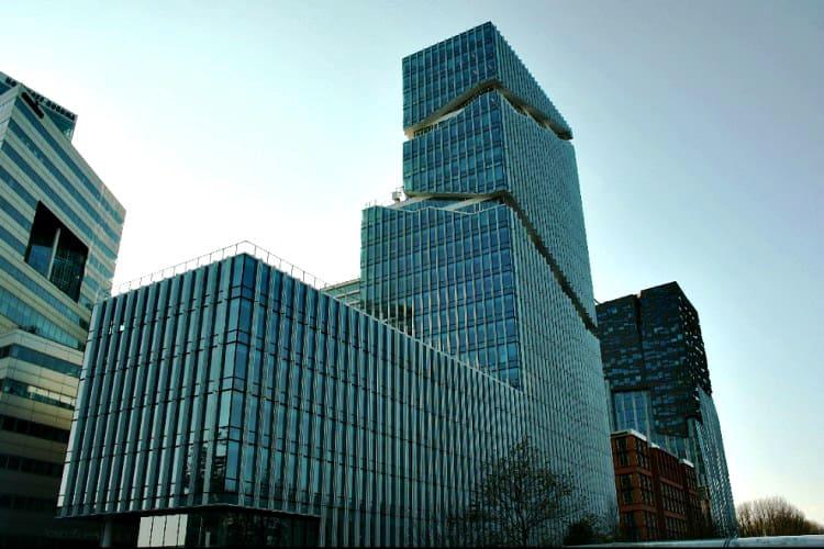kantoor gelegen op de bovenste verdiepingen van het vinoly te amsterdam