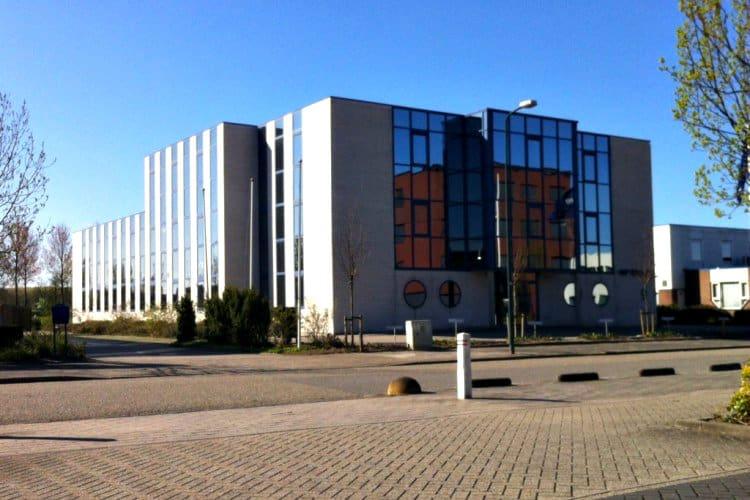 kantoorgebouw gelegen zichtlocatie bedrijven terrein middelland woerden