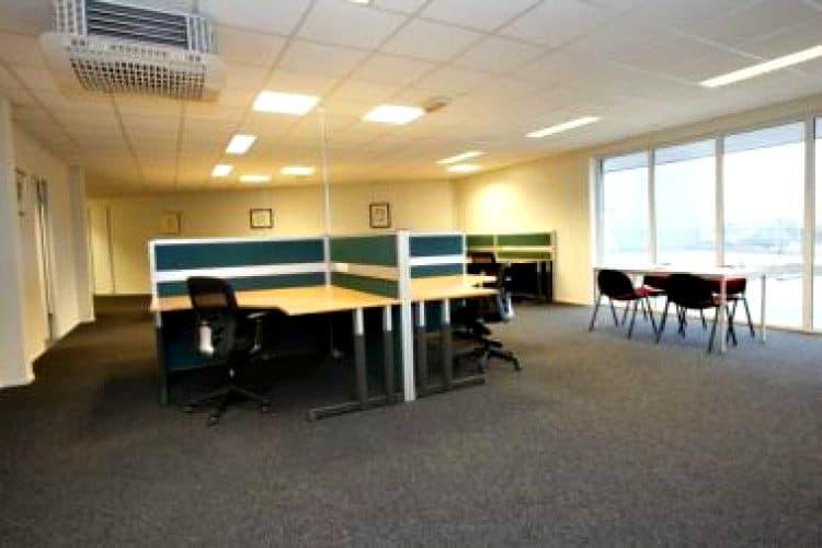 kantoorgebouw te huur met flexibele contracten te meppel