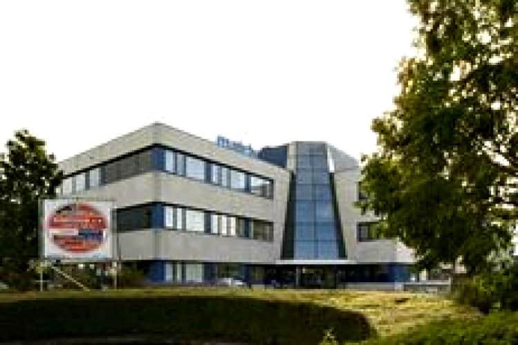 kantoorpand gelegen op bedrijventerrein middelland te woerden