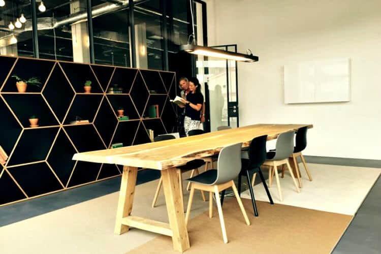 kantoorpand gelegen op het amstel business park amsterdam op zichtlocatie