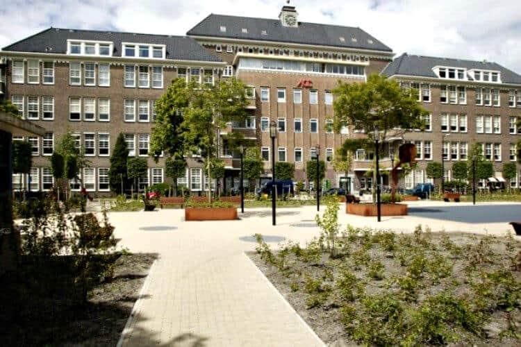 kantoorruimte beschikbaar en te huur in het amsterdams ondernemers centrum pand