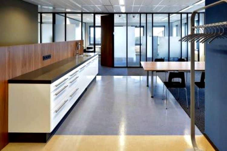 kantoorruimte opvallend kantoorpand toplocatie vlaardingen