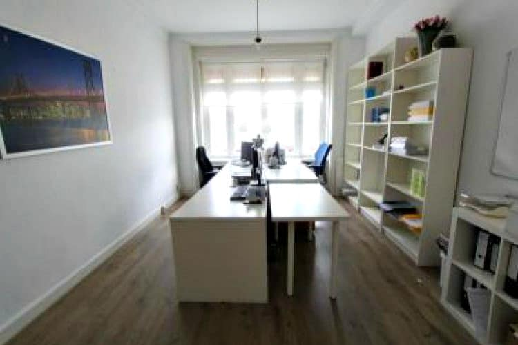 Klassiek en sfeervol kantoor op de hoek van de stadionweg te amsterdam - Klassiek kantoor ...