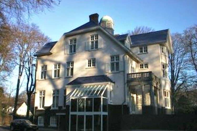 monumentaal kantoorpand huis met het blauwe dak te huur wassenaar