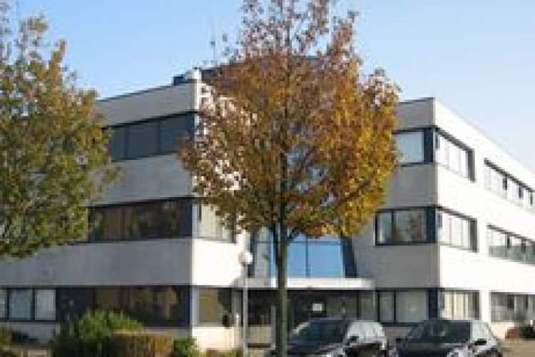 vrijstaand kantoorgebouw bedrijventerrein middelland te woerden
