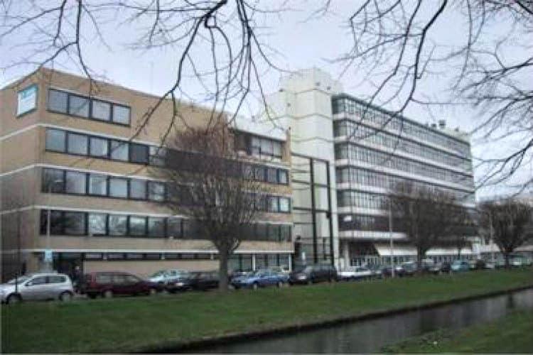 vrijstaand kantoorgebouw bedrijventerrein plaspoelpolder rijswijk