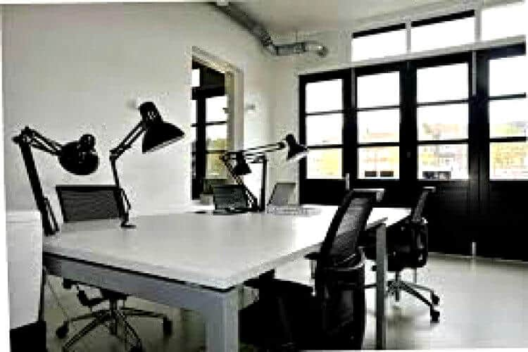 de spangesekade gelegen in rotterdam west met diverse kantoorunits